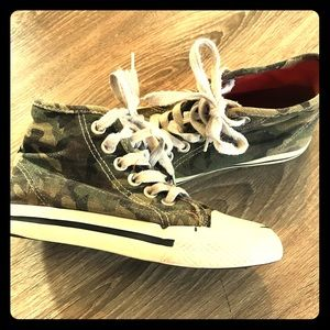 ***3 for $10*** Kids Camo sneaks size 12. Used.